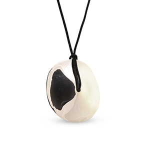 Agmes - Large Cora Pendant Necklace